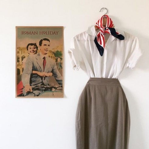 Phụ kiện thời trang Neckerchief đã quay trở lại - cách phối đồ