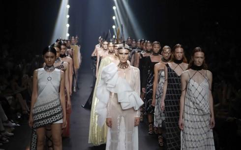 Elle fashion show Thailand Thu Dong 2016