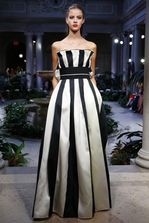 Thiết kế đơn giản, sang trọng quen thuộc của Carolina Herrera