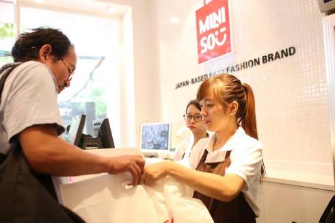 Nhân viên của Miniso được đào tạo theo hệ thống quy chuẩn toàn cầu.