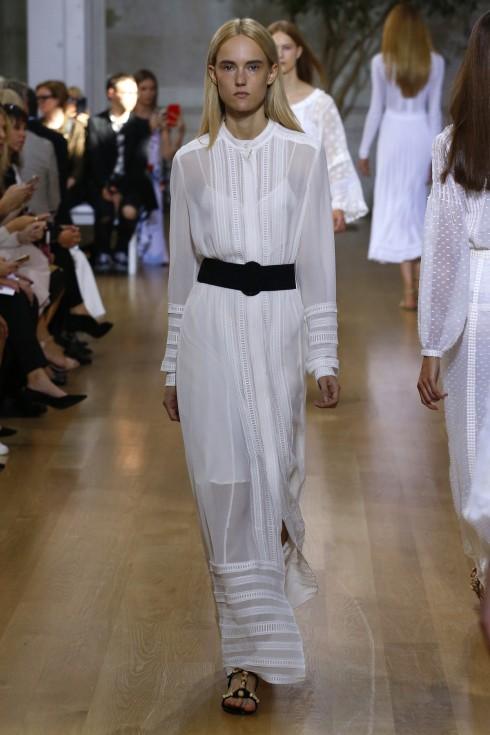Một thiết kế váy trắng khác của Oscar De La Renta
