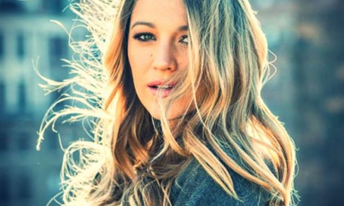 Blake Lively trong bộ phim Mrs Doubtfire