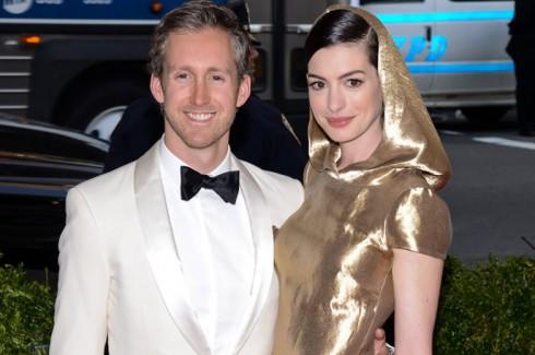 Anne Hathaway nói dối việc mang thai để bảo vệ con ellevn