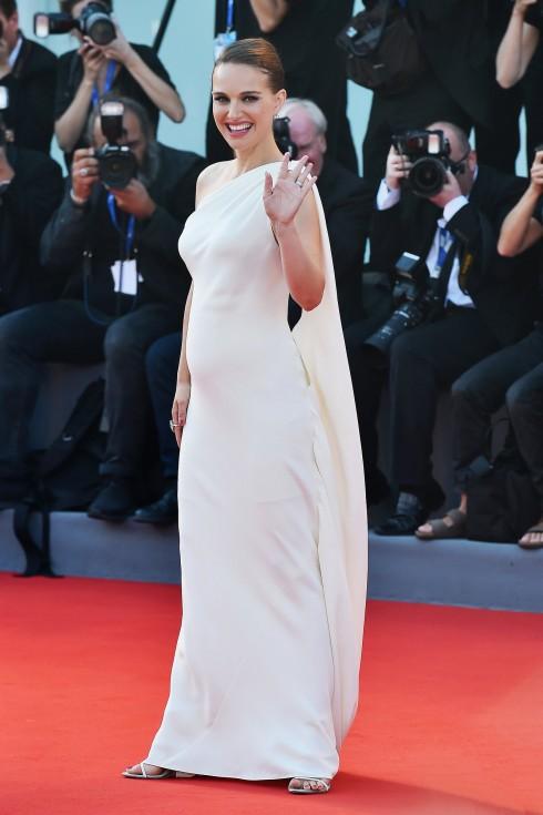 Natalie Portman và thời trang bầu