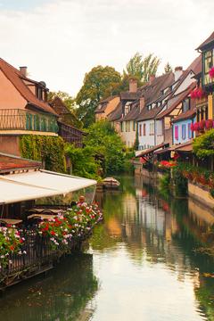 Trải nghiệm cả châu Âu chỉ bằng một tour du lịch Pháp