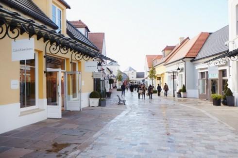 Du lịch Pháp - Châu Âu thu nhỏ trong lòng nước Pháp - « Ngôi làng đồ hiệu » ở Val d'Europe