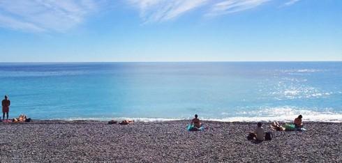 Du lịch Pháp - Châu Âu thu nhỏ trong lòng nước Pháp - Bãi biển tại thành phố Nice xinh đẹp