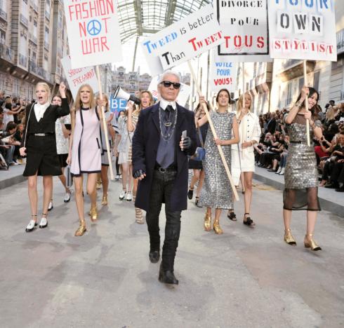 Nhà thiết kế quyền lực nhất làng thời trang quốc tế - Karl Lagerfeld