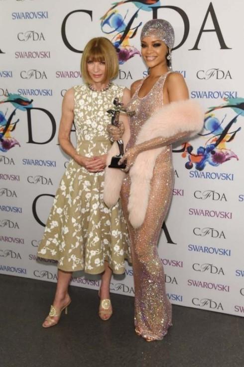 Fashion Icon là giải thưởng đánh dấu chỗ đứng củaca sĩ Rihanna trong giới đam mê thời trang.