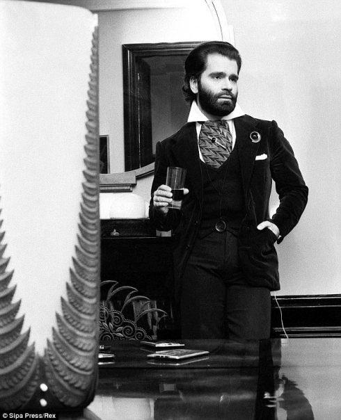 Có ai nhận ra Karl Lagerfeld của năm 1972 không?