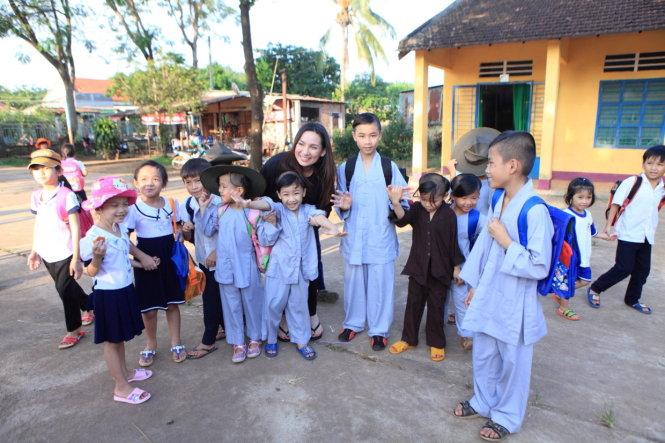 Sao Việt ăn chay và quyết tâm theo đạo Phật ELLE VN