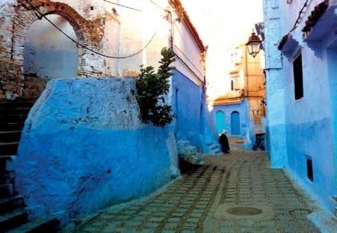Không ai giải thích được vì sao ở Chefchaouen nhà cửa đều sơn toàn màu trời xanh?
