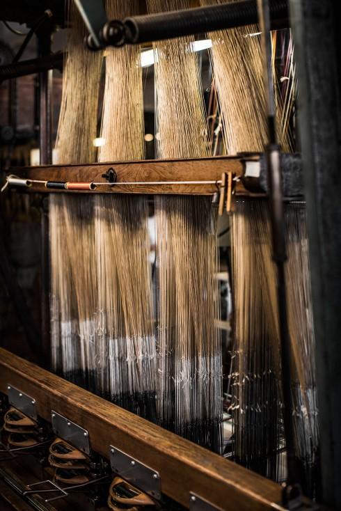 Lịch sử ra đời của các chất liệu vải thuần Việt gấm