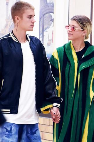 """Justin Bieber và Sofia Richie đã """"đường ai nấy đi"""""""