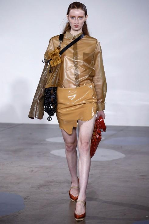 Phần chân váy độc đáo của Toga