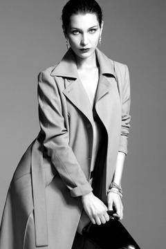 Bella Hadid: Người đẹp ngủ trong vàng son
