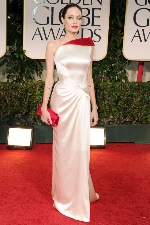 Quyến rũ trong đầm thiết kế của Atelier Versace tại Golden Globe Awards 2012