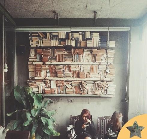Cà phê Hà Nội Cộng Cafe & Lounge.