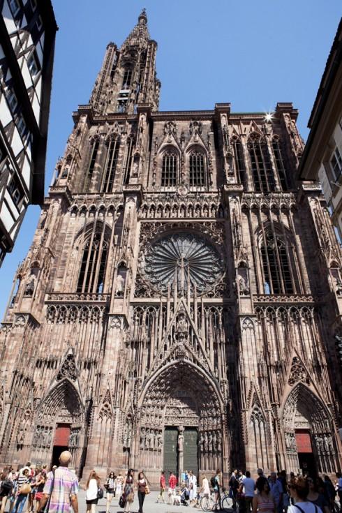Nhà thờ Đức bà Strasbourg tại Alsace - ELLE VN