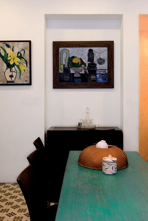 Hoa si Dang Xuan Hoa sua nha cung hao hung ve tranh 12