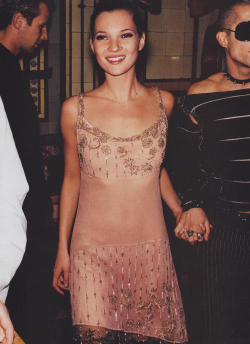 Phong cách thời trang năm 2000 - Liệu đã là quá khứ ?
