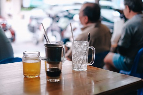 Cà phê ở Sài Gòn VY - ELLE VN
