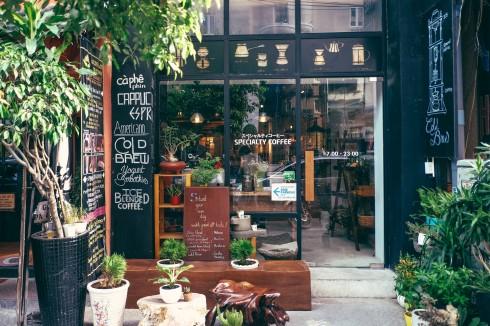 Cà phê ở Sài Gòn - SHIN - ELLE VN