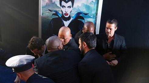 Brad Pitt cũng từng là nạn nhân của anh trong buổi công chiếu phim Maleficient.