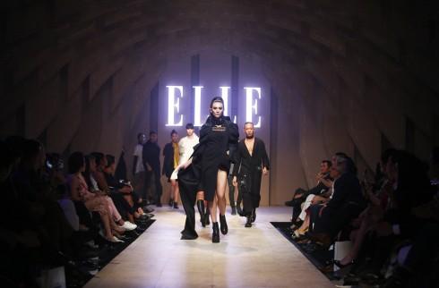 BST cua NTK Quang Nhat tai ELLE Fashion Journey 2016 30