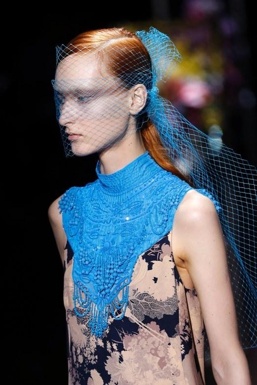 Phong cách làm đẹp độc đáo tại Paris Fashion Week Xuân-Hè 2017 ELLE VN