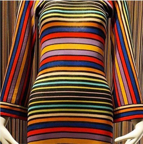 Tài khoản Instagram của FTM với họa tiết Hoa văn kẻ sọc