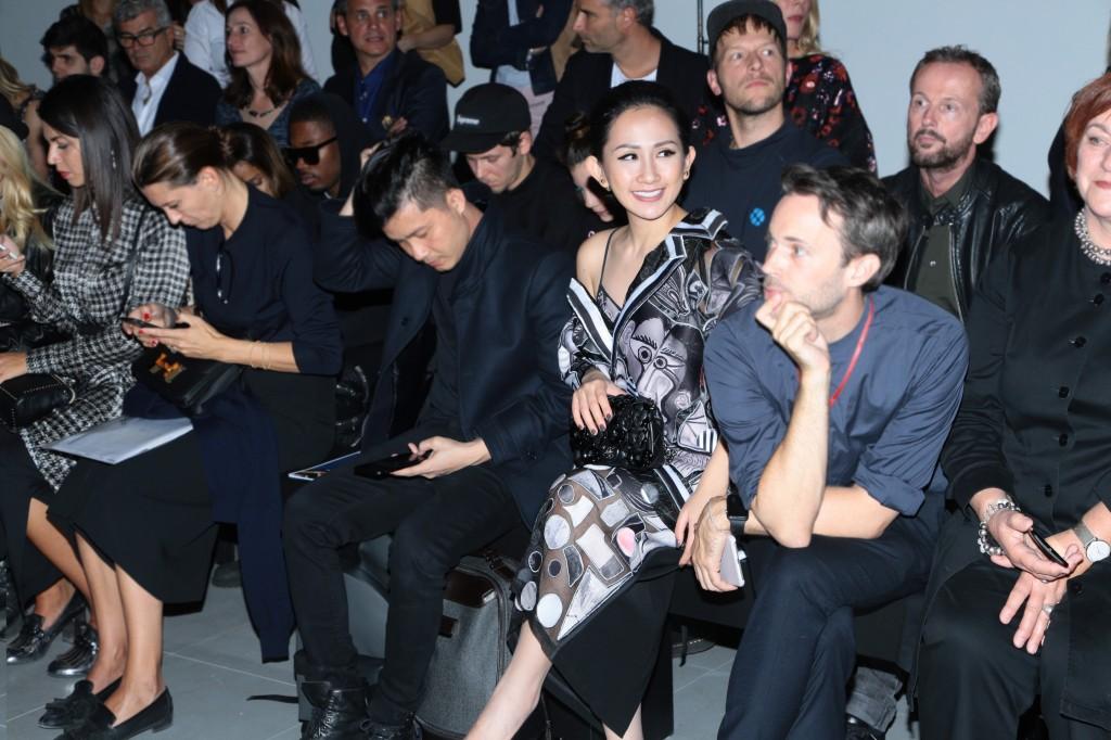 Trâm Nguyễn nổi bật hàng ghế đầu tại Paris Fashion Week