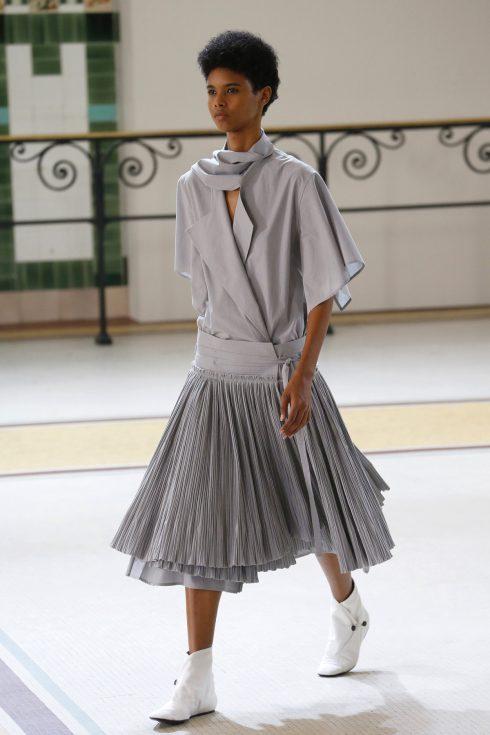 Chiếc váy xếp li của Lemaire