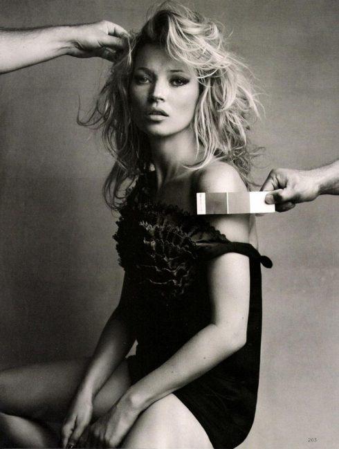 Kate Moss không chỉ là một trong những siêu mẫu nổi tiếng nhất mọi thời đại mà còn là một tượng đài thời trang mà giới mộ điệu luôn phải kính nể