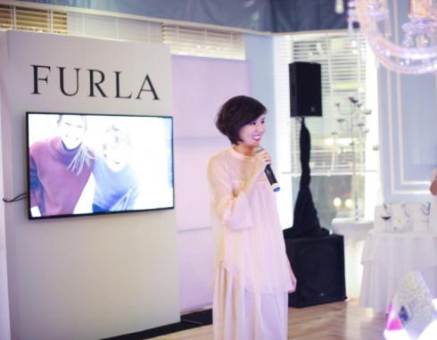 Stylist Nikita Chu vừa trở về từ Úc rất hào hứng khi chia sẻ cùng các vị khách mời.