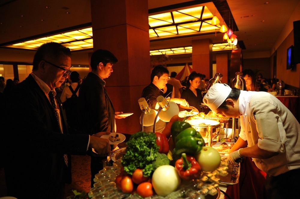 kỷ niệm 20 năm khách sạn Equatorial 02