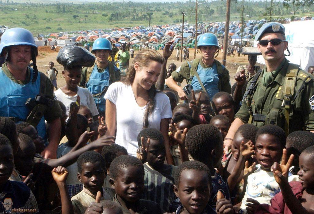 hoạt động nhân quyền của nữ diễn viên Angelina Jolie 03.