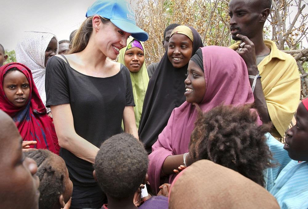 hoạt động nhân quyền của nữ diễn viên Angelina Jolie 01.