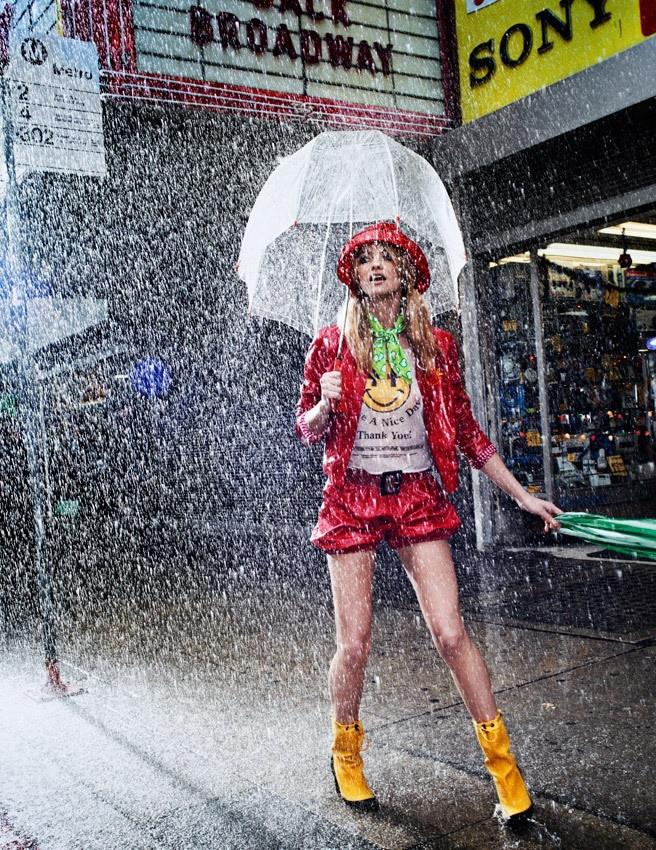 ...hay một chiếc ô nhỏ trong suốt, sẽ giúp bạn dễ thương hơn nhiều.