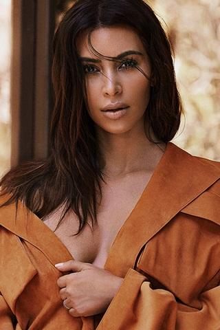 Kim Kardashian có phải nạn nhân vụ cướp của chính mình?