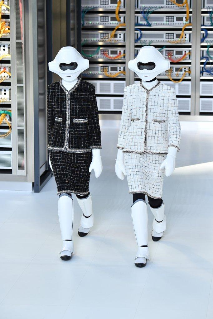 Chanel đưa công nghệ số lên sàn diễn thời trang Xuân-Hè 2017