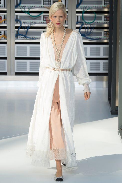 Hình ảnh tại show trình diễn Chanel Xuân-Hè 2017