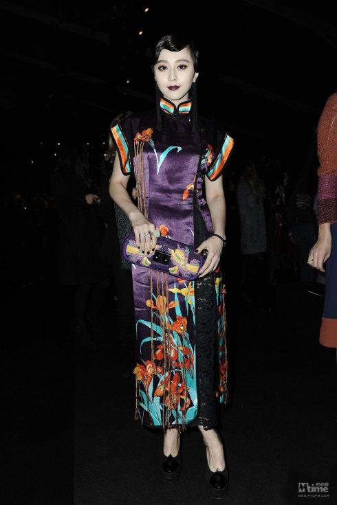 Diện thiết kế sườn xám cách điệu tại Paris Fashion Week 2012