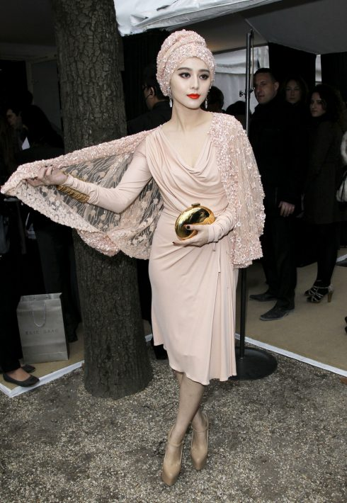 Phạm Băng Băng xuất hiện tại Elie Saab Fashion Show năm 2012