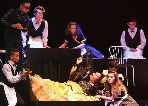 Nhà bà Thìn - Bối cảnh chính của vở nhạc kịch kịch tính, bất ngờ và giàu cảm xúc.