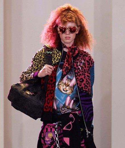 Hình ảnh chú mèo xuất hiện tràn ngập trên khắp các sàn catwalk.