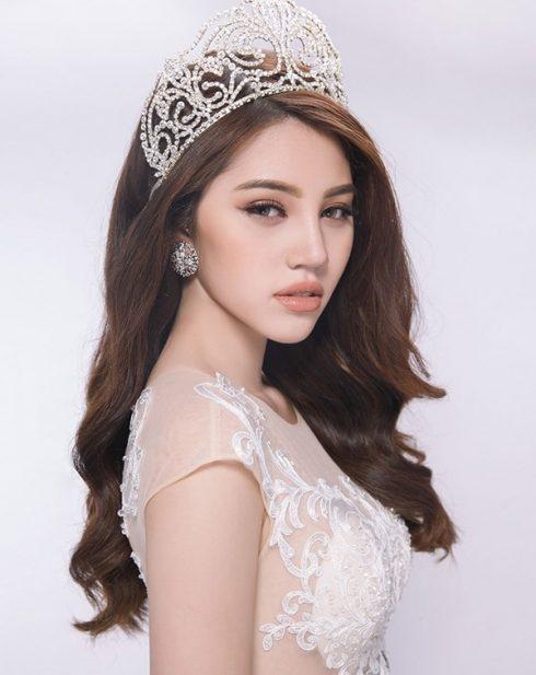 Jolie Nguyễn và vương miện Hoa Hậu