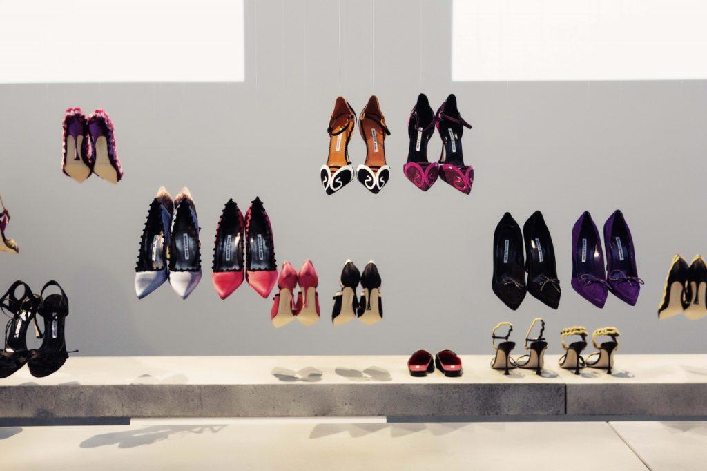 bộ sưu tập giày Manolo Blahnik.