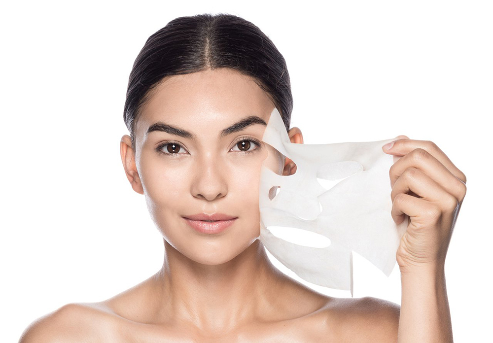 Bạn đã biết đắp mặt nạ trắng da đúng cách? ELLE VN
