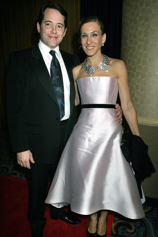 Sarah Jessica Parker cùng chồng mình, Matthew, tại buổi ra mắt một vở nhạc kịch Broadway vào tháng 10/2005.